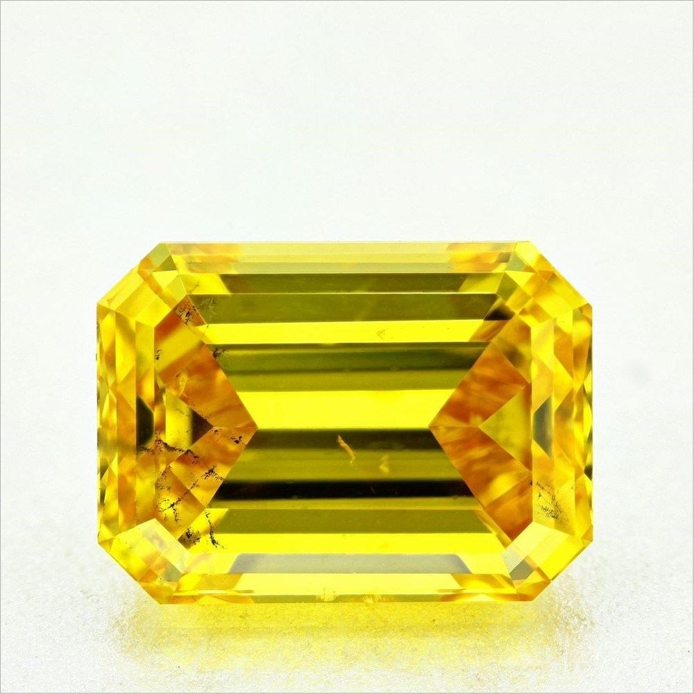 3.22 Carat Emerald Loose Diamond, Fancy Vivid Yellow, SI2, Ideal, GIA Certified | Thumbnail